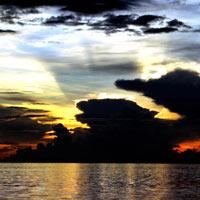 Australia và, mặt trời giữa ngực